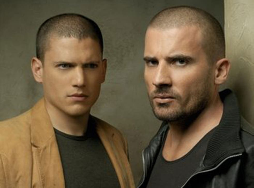 Wentworth Miller and Dominic Purcell as Michael Scofield and Lincoln Burrows in 2005's Prison Break