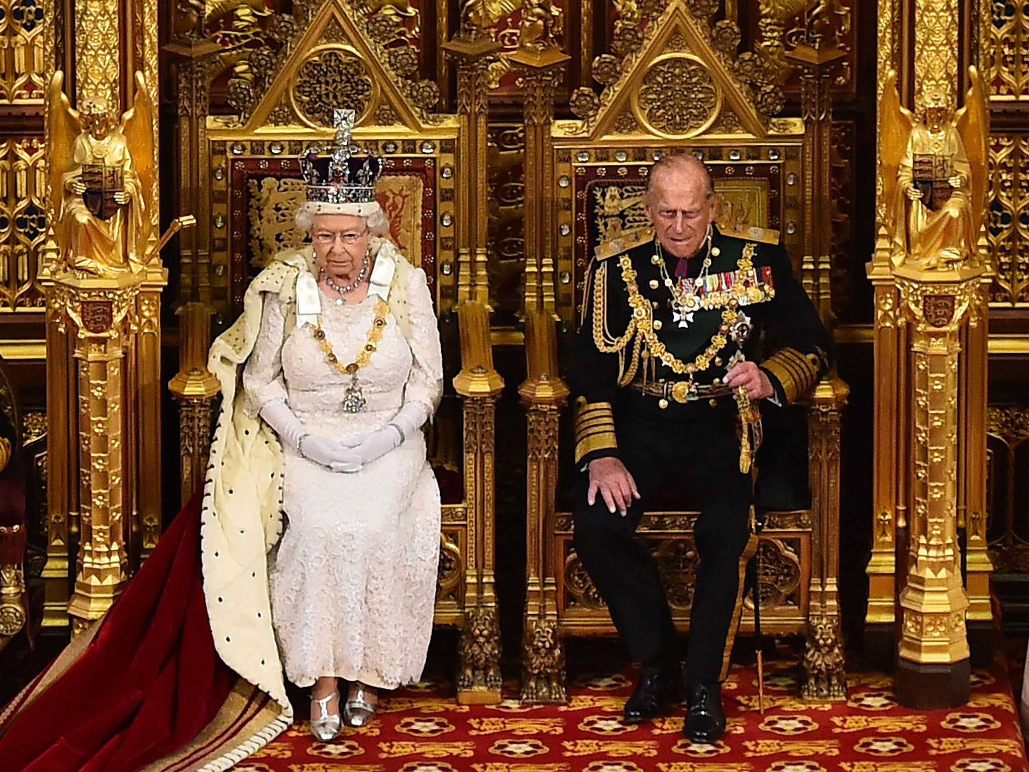 constitutional moncarchy The uk is a constitutional monarchy (with queen elizabeth ii as head of state) and a parliamentary democracy (with parliament as the legislative organ.