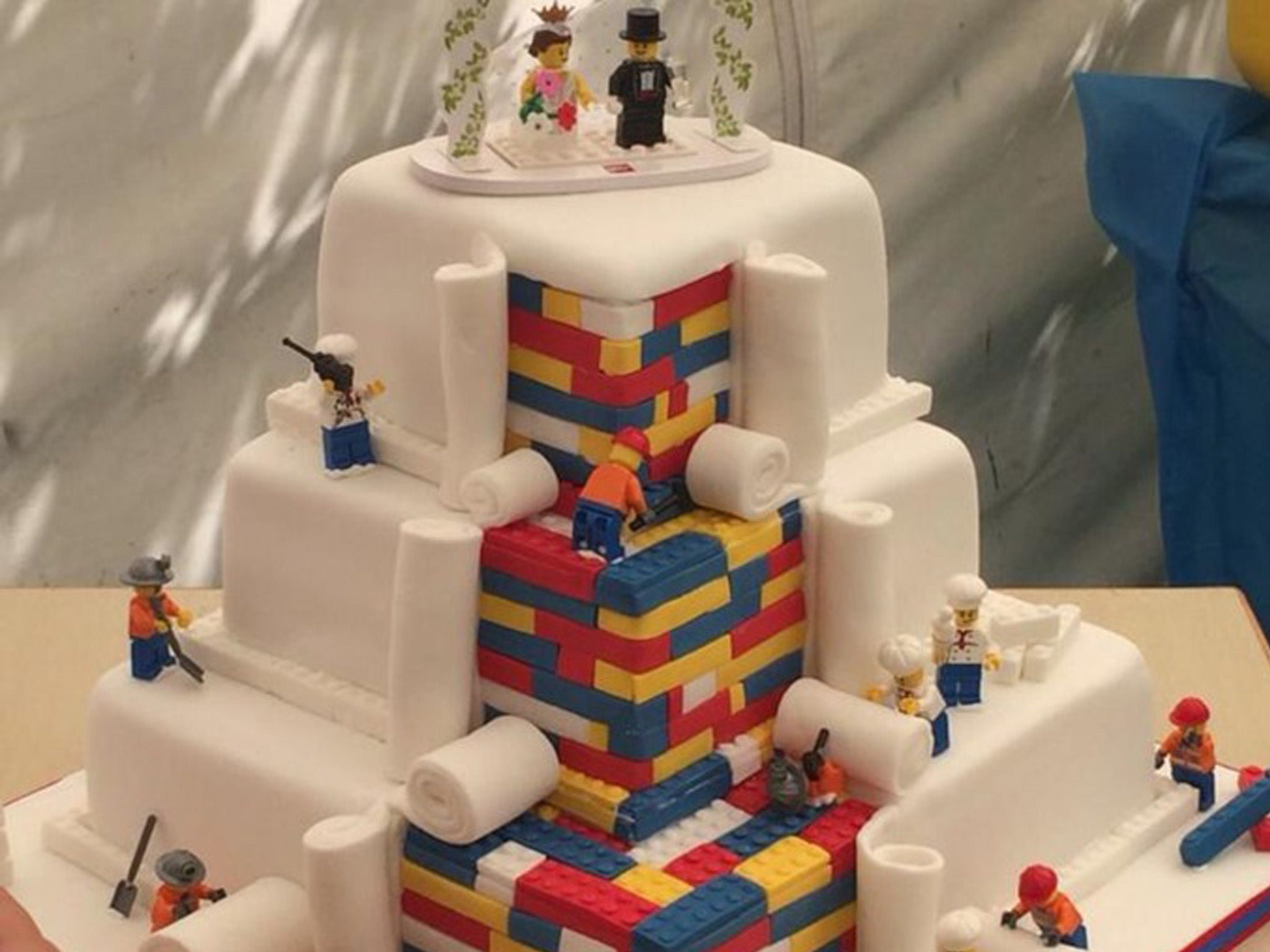 London Bakery forced to appeal for fewer requests after 'Lego Cake' goes viral