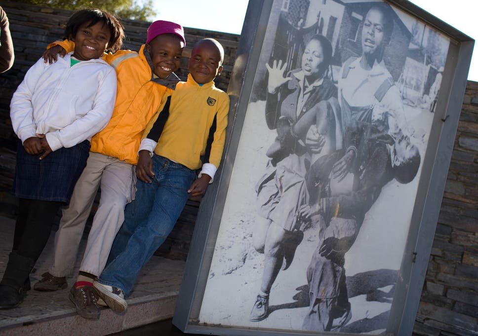 Iam76: South Africans are re-enacting the 16 June Soweto Uprising in