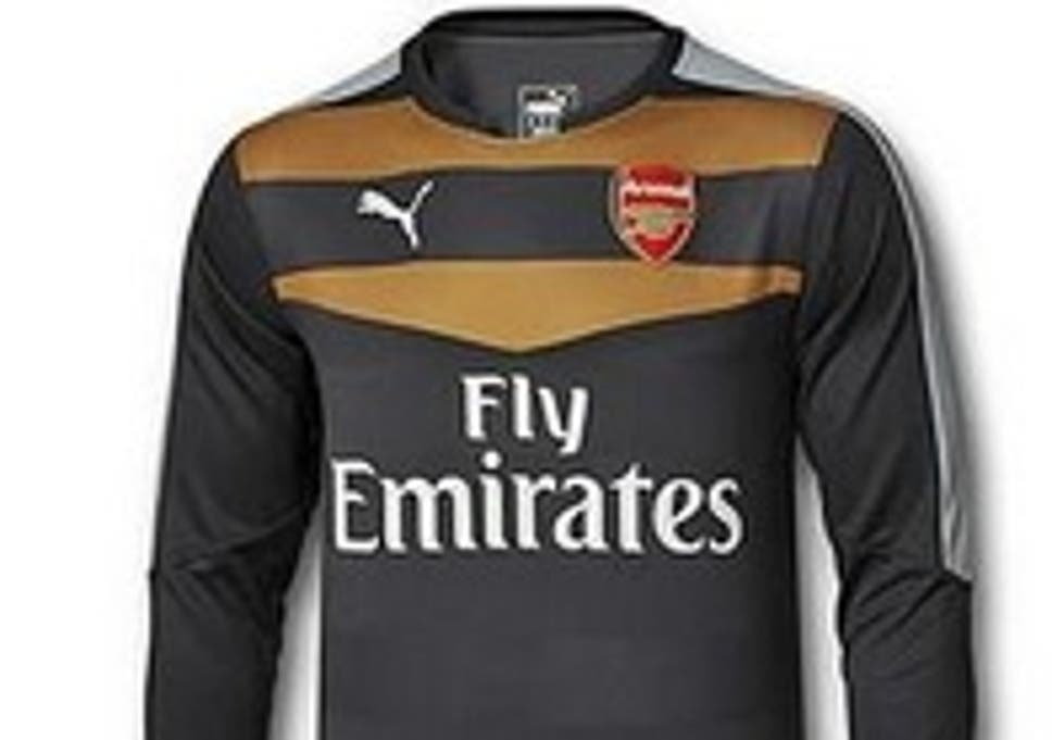 2260b2f9f78 Arsenal 2015/16 goalkeeper shirts do not have short sleeves: Have Puma  dropped a hint Wojciech Szczesny will be replaced by Petr Cech?