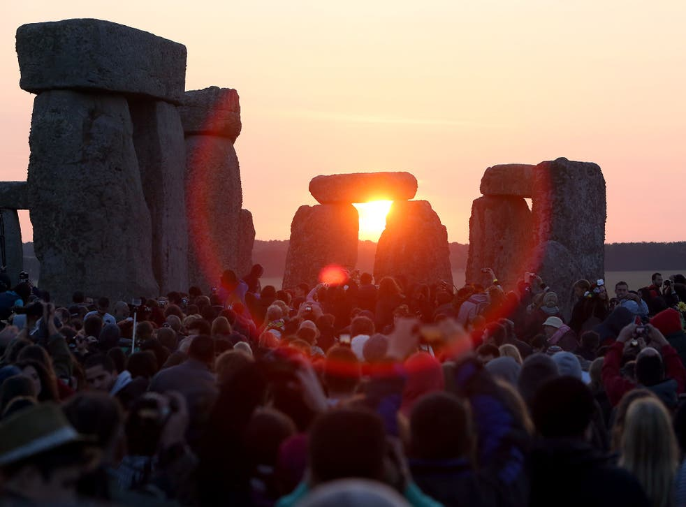 Thousands gather at Stonehenge to celebrate the winter solstice
