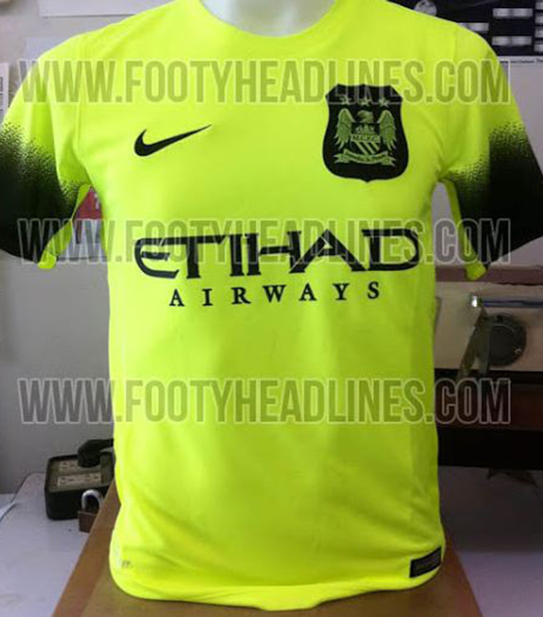 new products 527e2 a18d0 Manchester City 2015/16 third kit leaked: Neon monstrosity ...