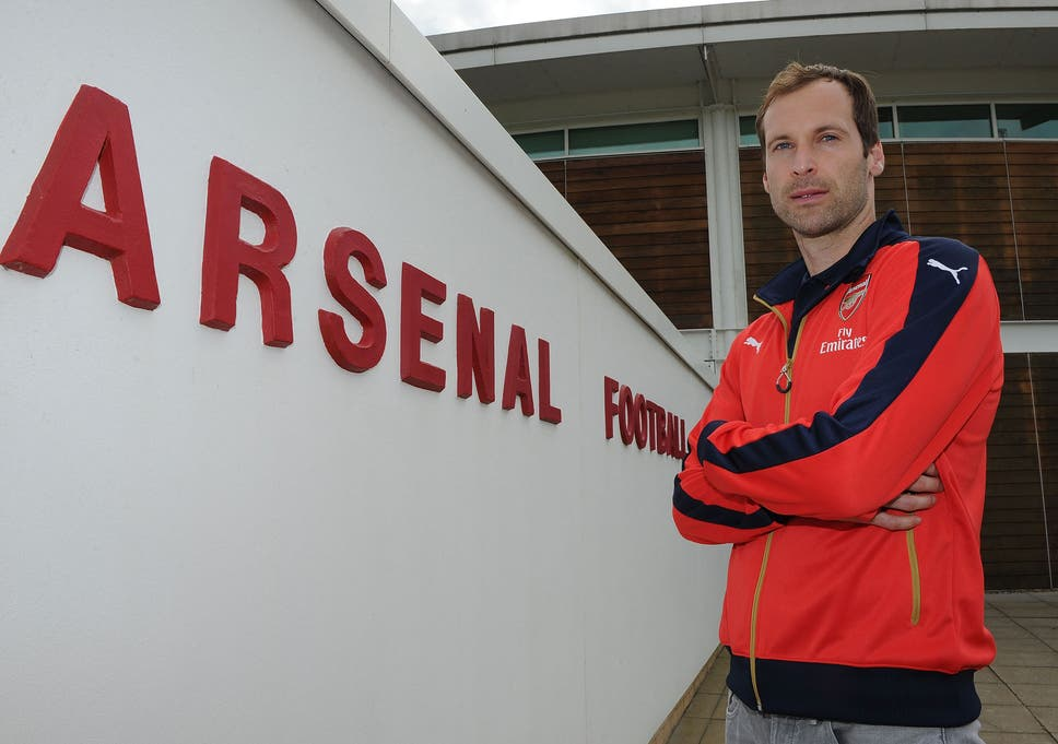14be359a1e6 Arsenal sign Petr Cech: Gunners yet to confirm goalkeeper's shirt number  after completing £11m move for former Chelsea star