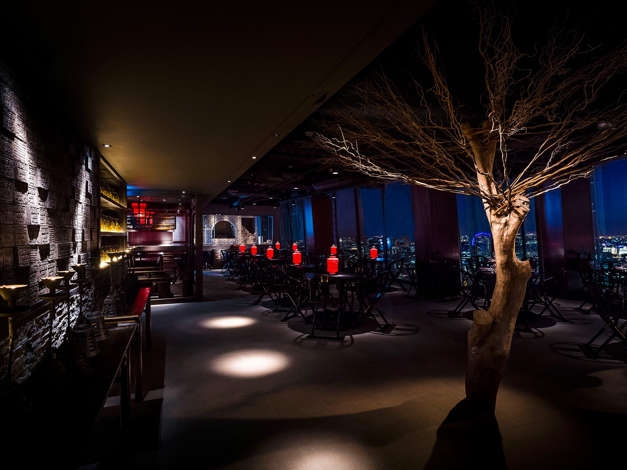 Hutong Restaurant Review Stunning Sky High Setting And