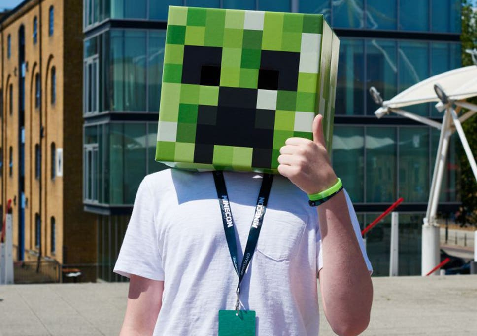 Minecon 2015: Minecraft fans descend in their thousands for