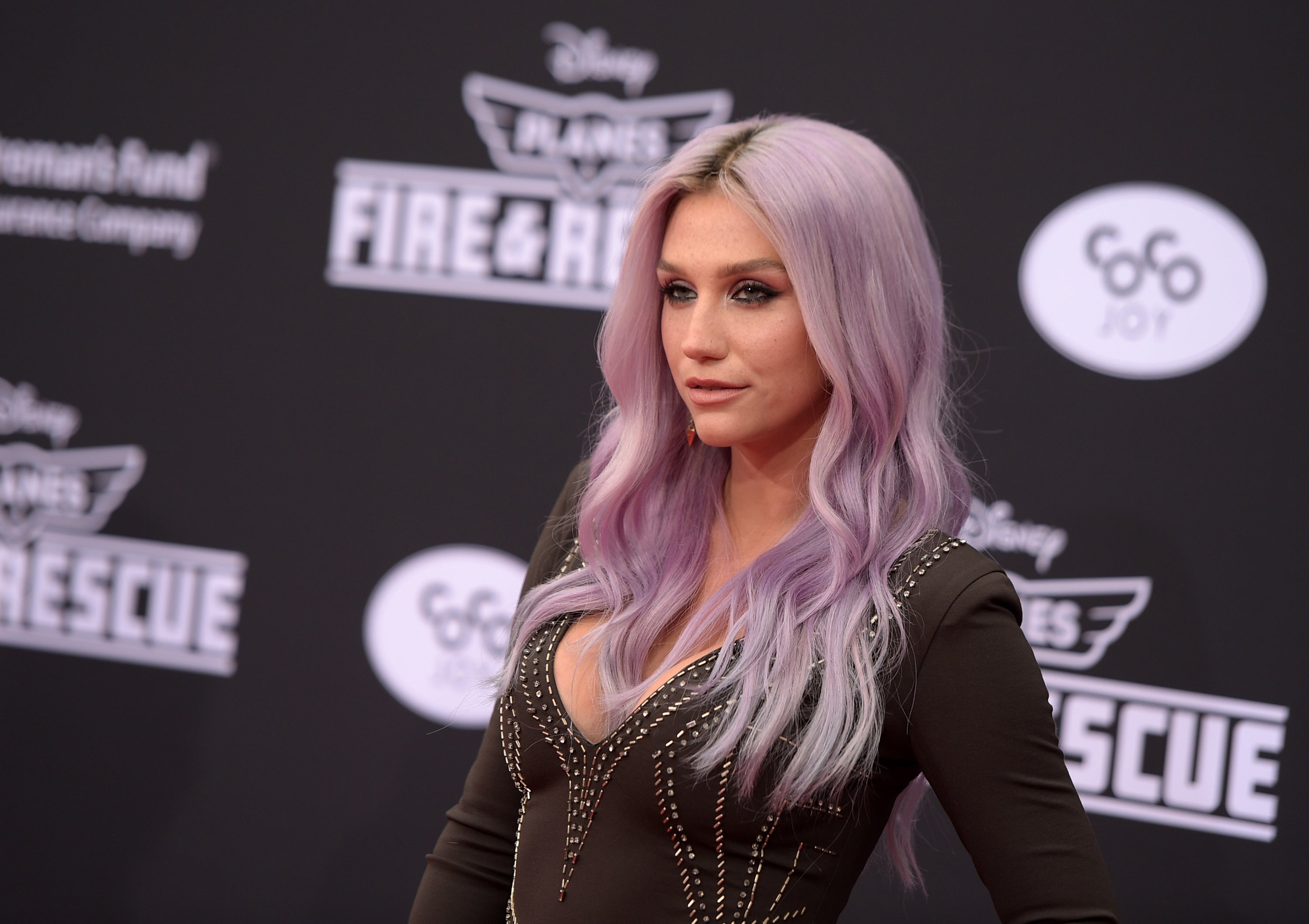 Kesha Thanks Supporters In Emotional Message Days After Taylor Swift Donates 250 000 To Legal Battle The Independent