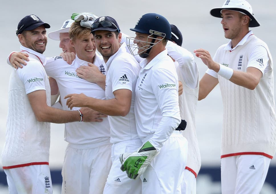 9609c450360e Ashes 2015  England secure 1-0 series lead with 169-run victory over  Australia as Joe Root and Moeen Ali lead brave new side