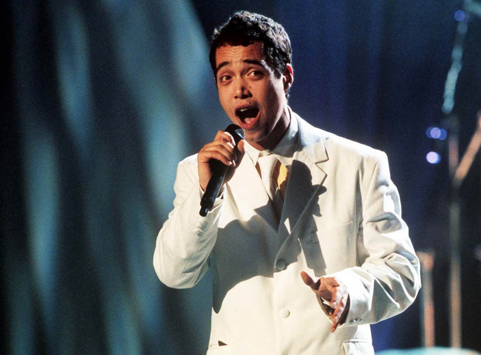 Finley Quaye performing at the BRIT Awards in 1998