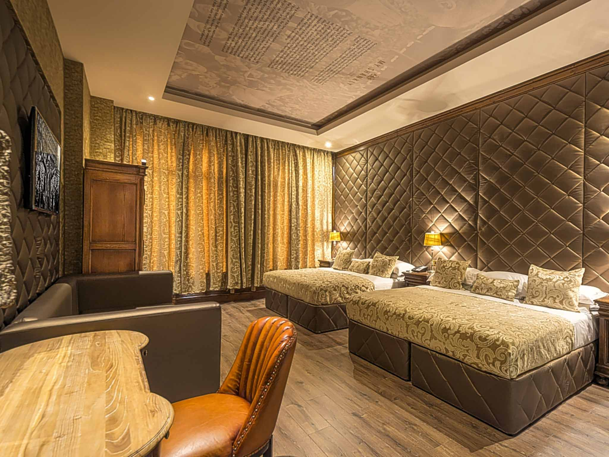 Liverpool Bedroom Wallpaper Hotels For Sports Fans From Football And Rugby To Cricket And
