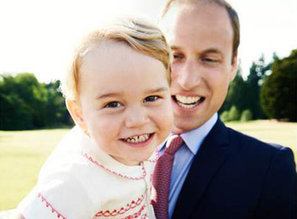Kensington Palace tweets photo of Prince George with Prince William ahead  of second birthday | The Independent | The Independent