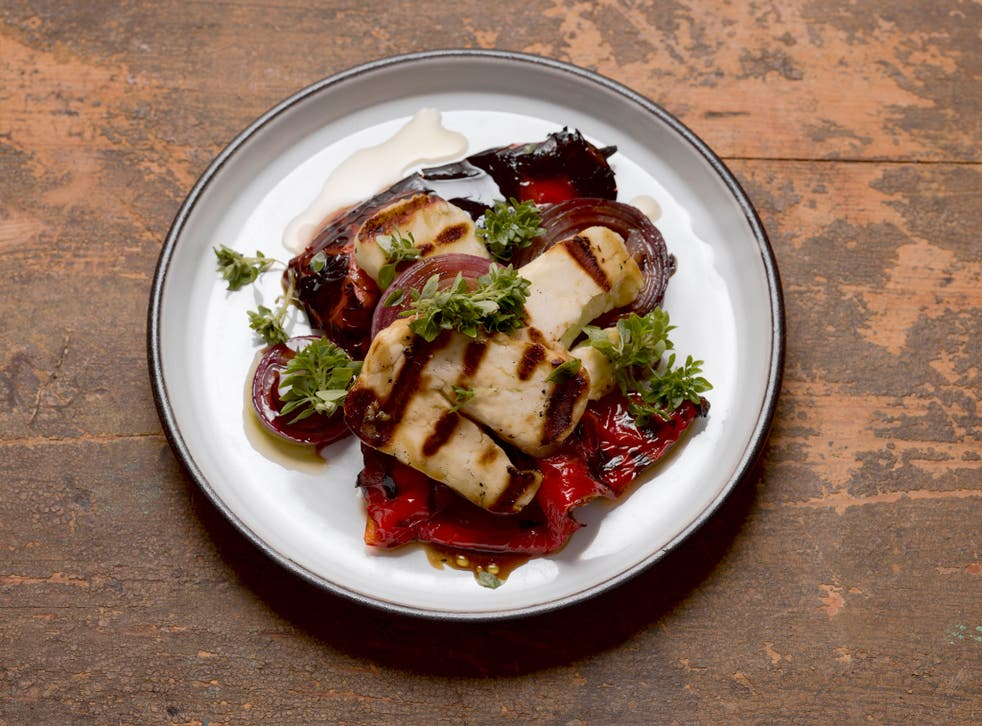 Grilled halloumi with romero peppers and red onions