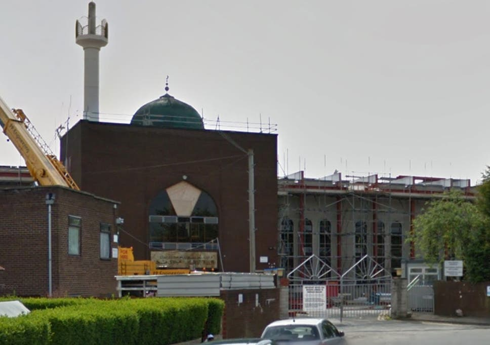 Muslim boarding school rated 'good' by Ofsted threatens to expel
