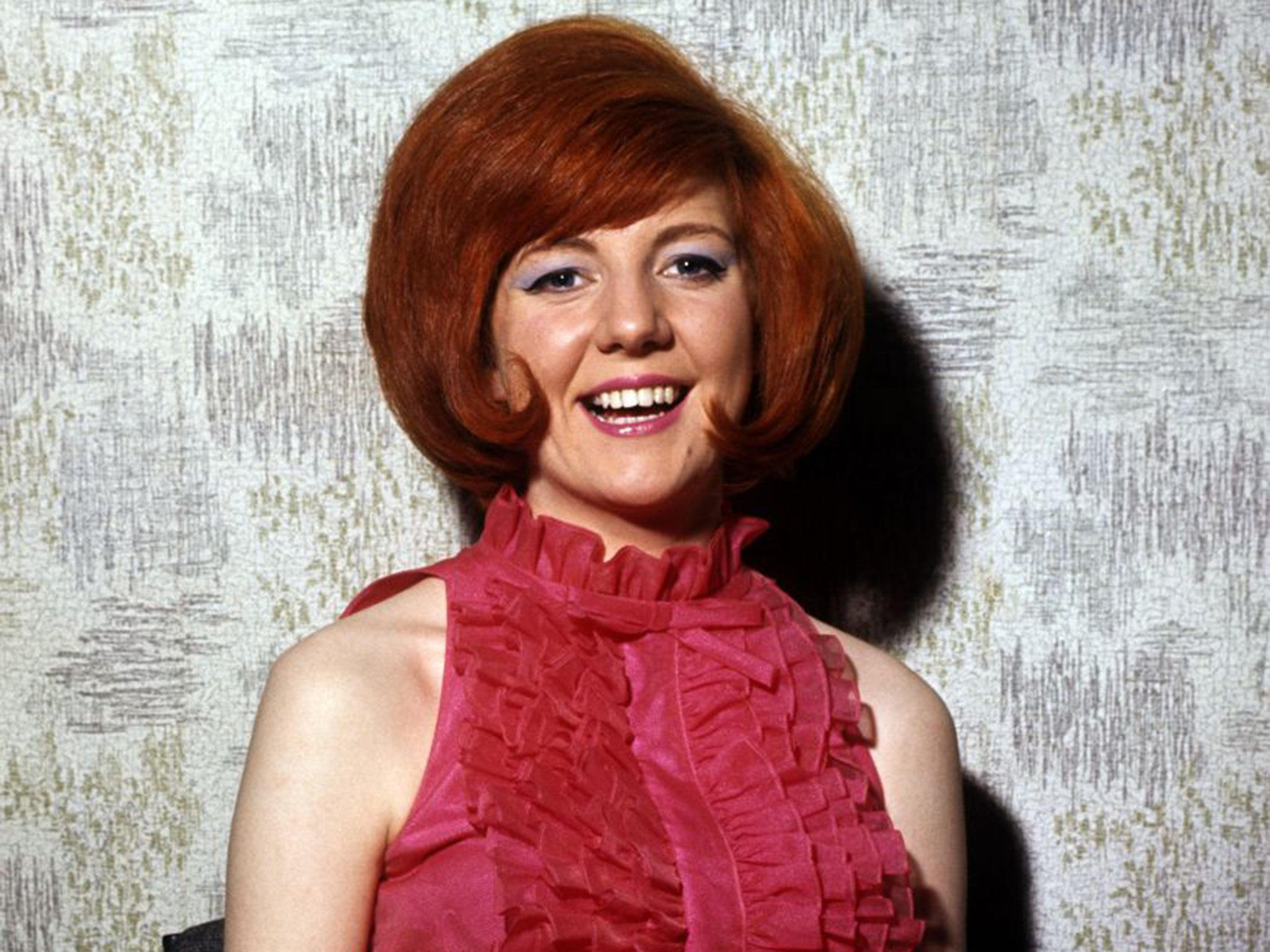 cilla black singer who was signed by brian epstein and
