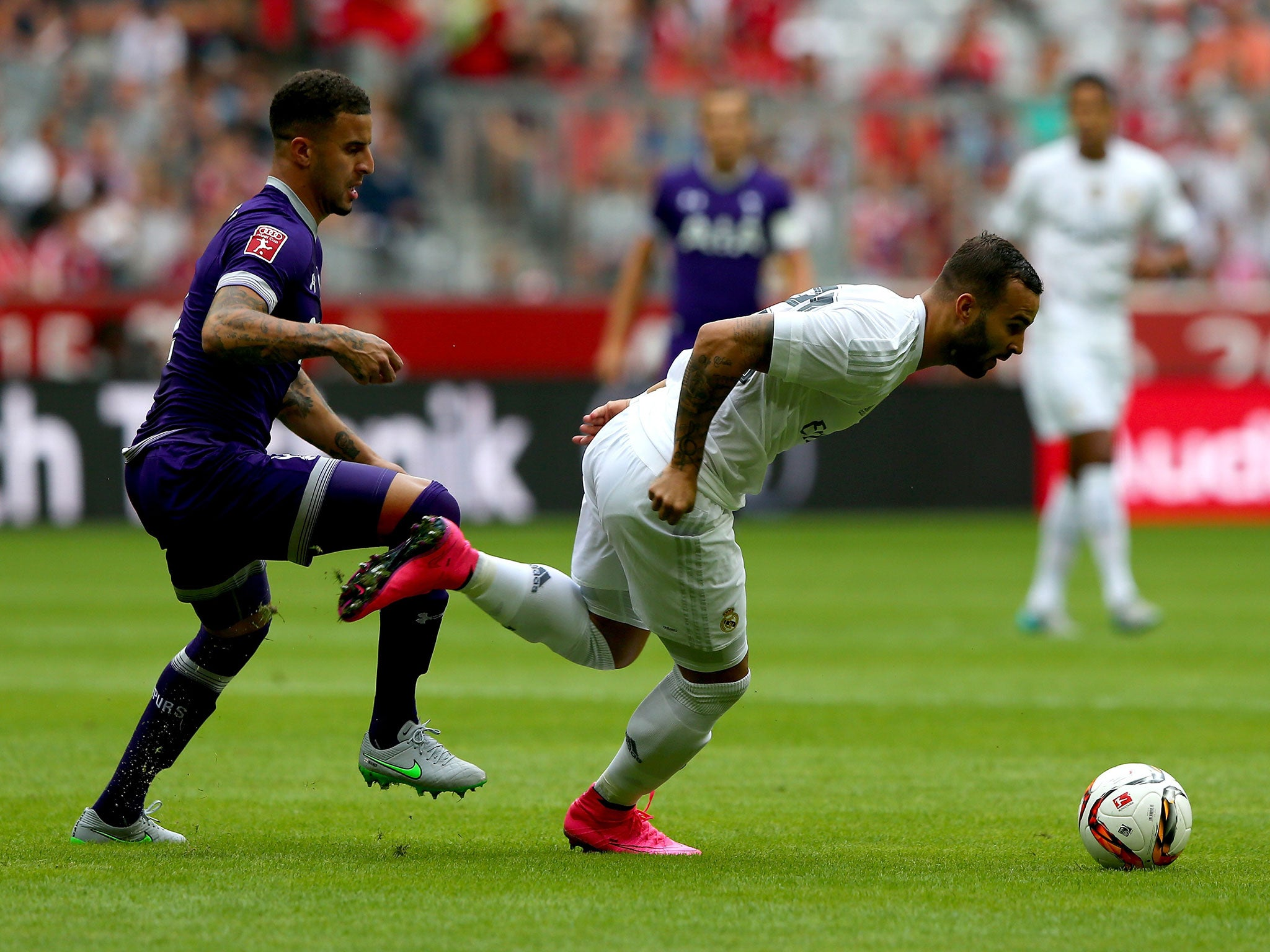 Tottenham third shirt 2015 16  Spurs unveil purple kit in Audi Cup ... c8b04a850
