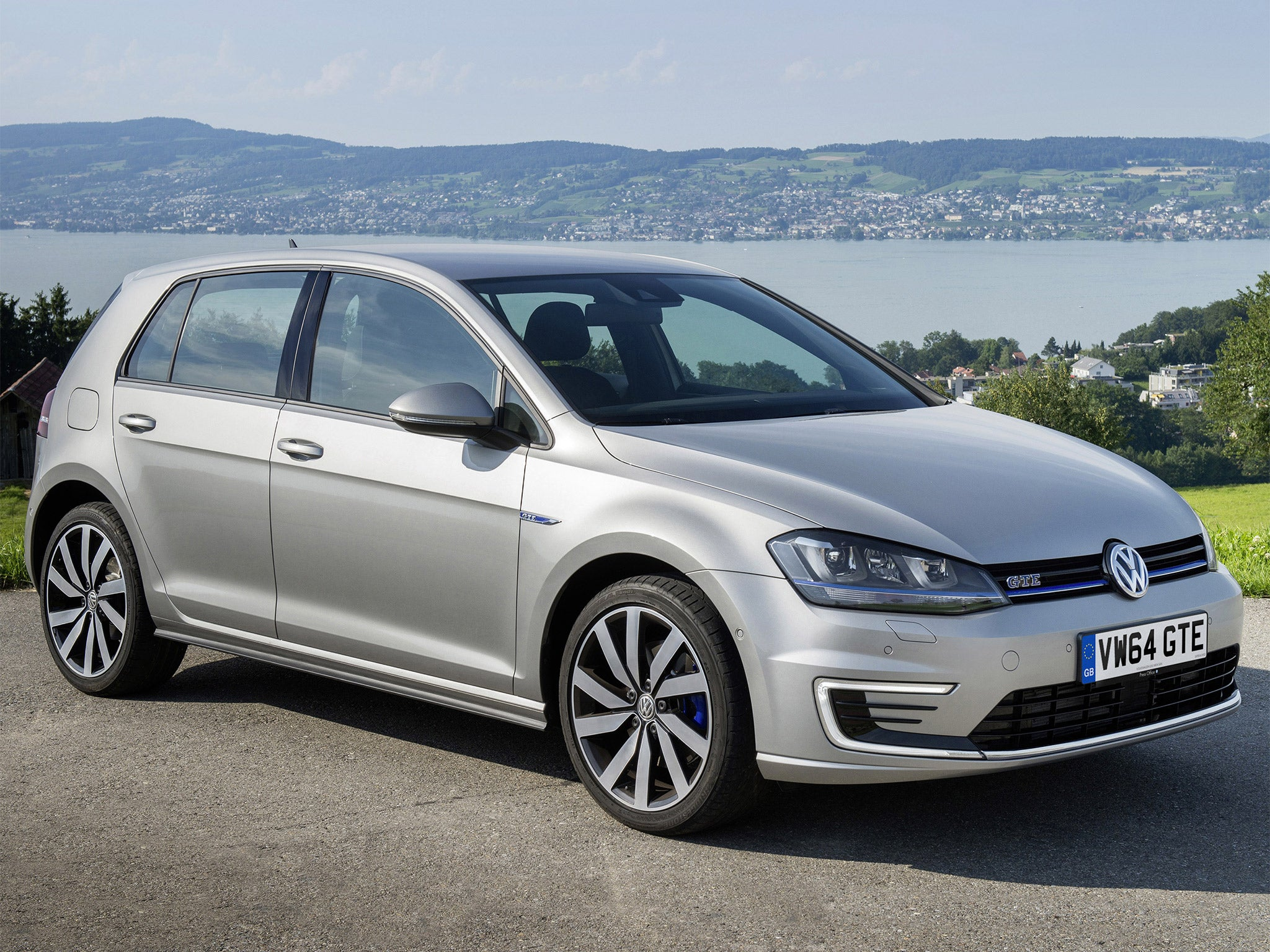 vw golf gte hybrid motoring review the perfect drive for. Black Bedroom Furniture Sets. Home Design Ideas