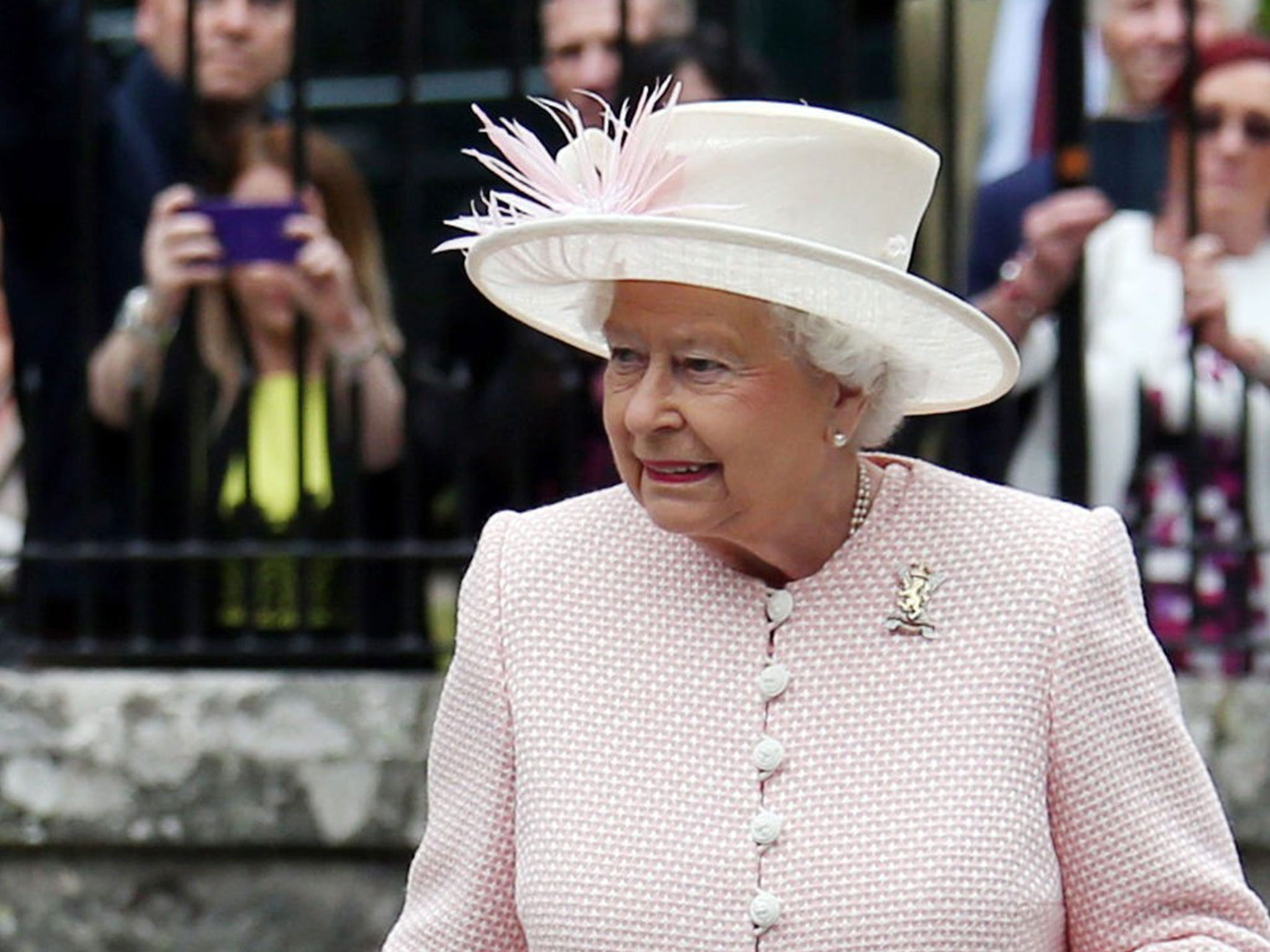 Queen's birthday: The answer she gave to tourists asking ...