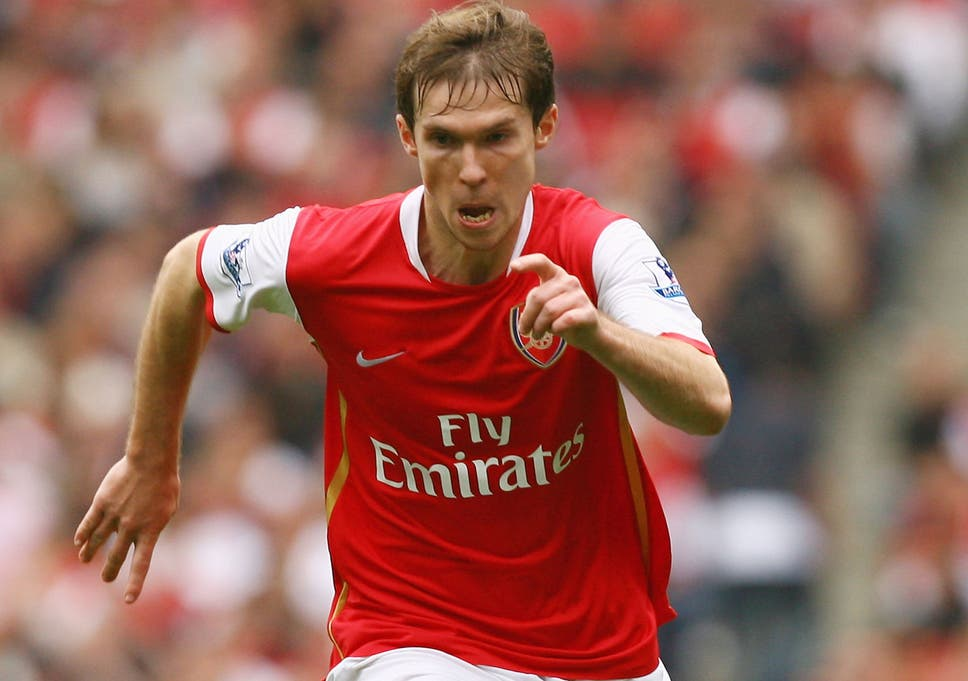 8f7eb9e6a Deceased Arsenal fan has dig at Alexander Hleb with memorial outside ...