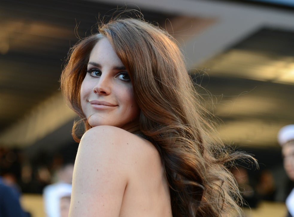Lana Del Rey Honeymoon Album Review A Trip To The Dark Side Of The American Dream The Independent The Independent