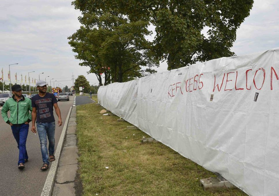 Germany opens its gates: Berlin says all Syrian asylum