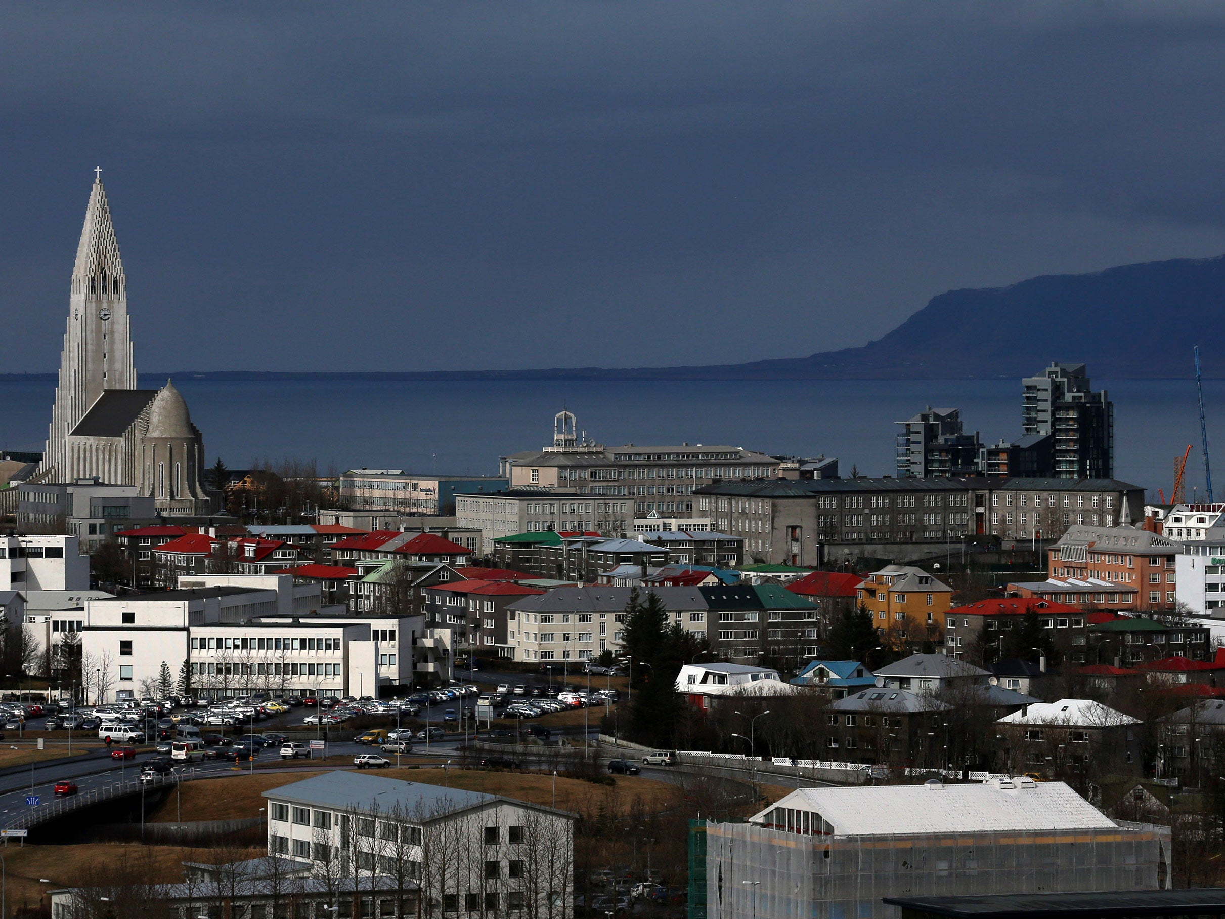 More than 11,000 Icelanders offer to house Syrian refugees to help European crisis