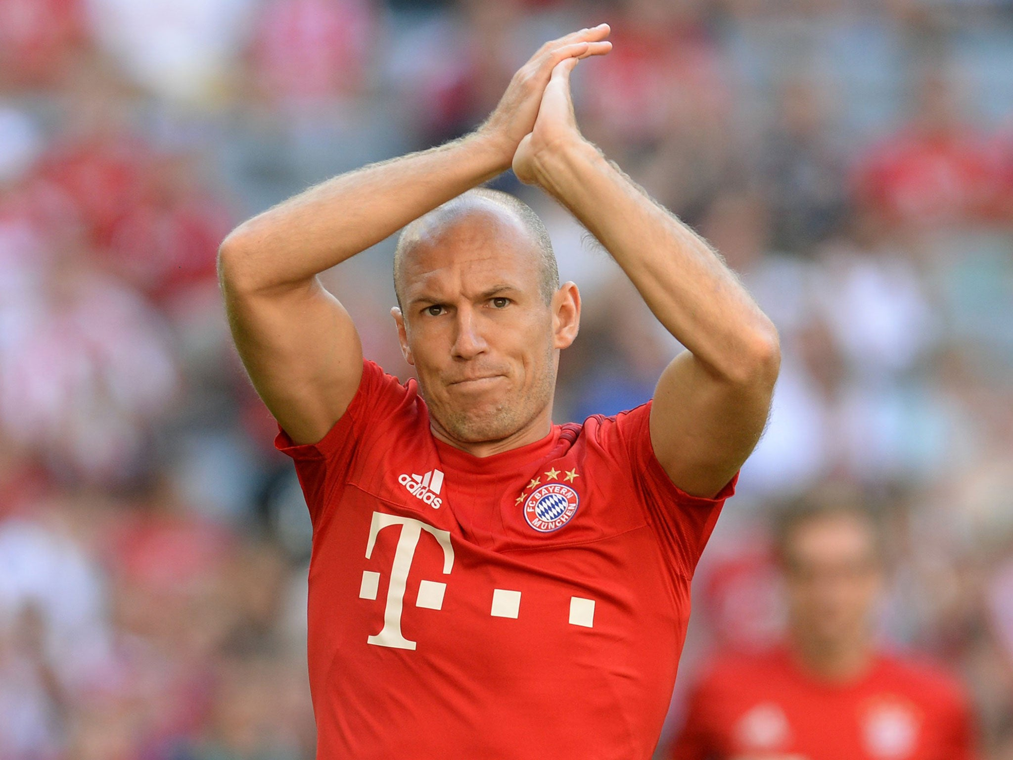 Arjen Robben to Manchester United Winger at war with Robert