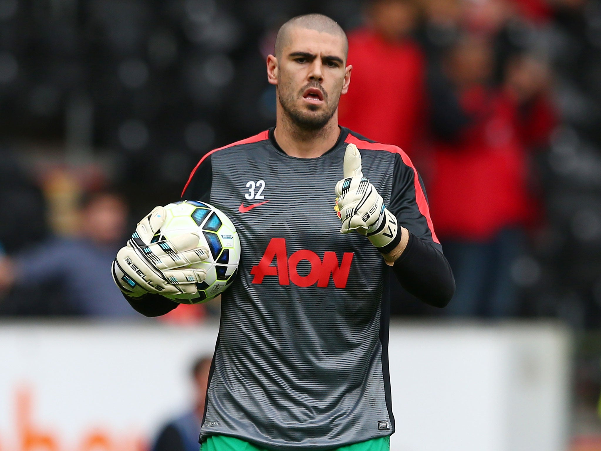 Victor Valdes latest Iker Casillas blasts ungrateful Manchester