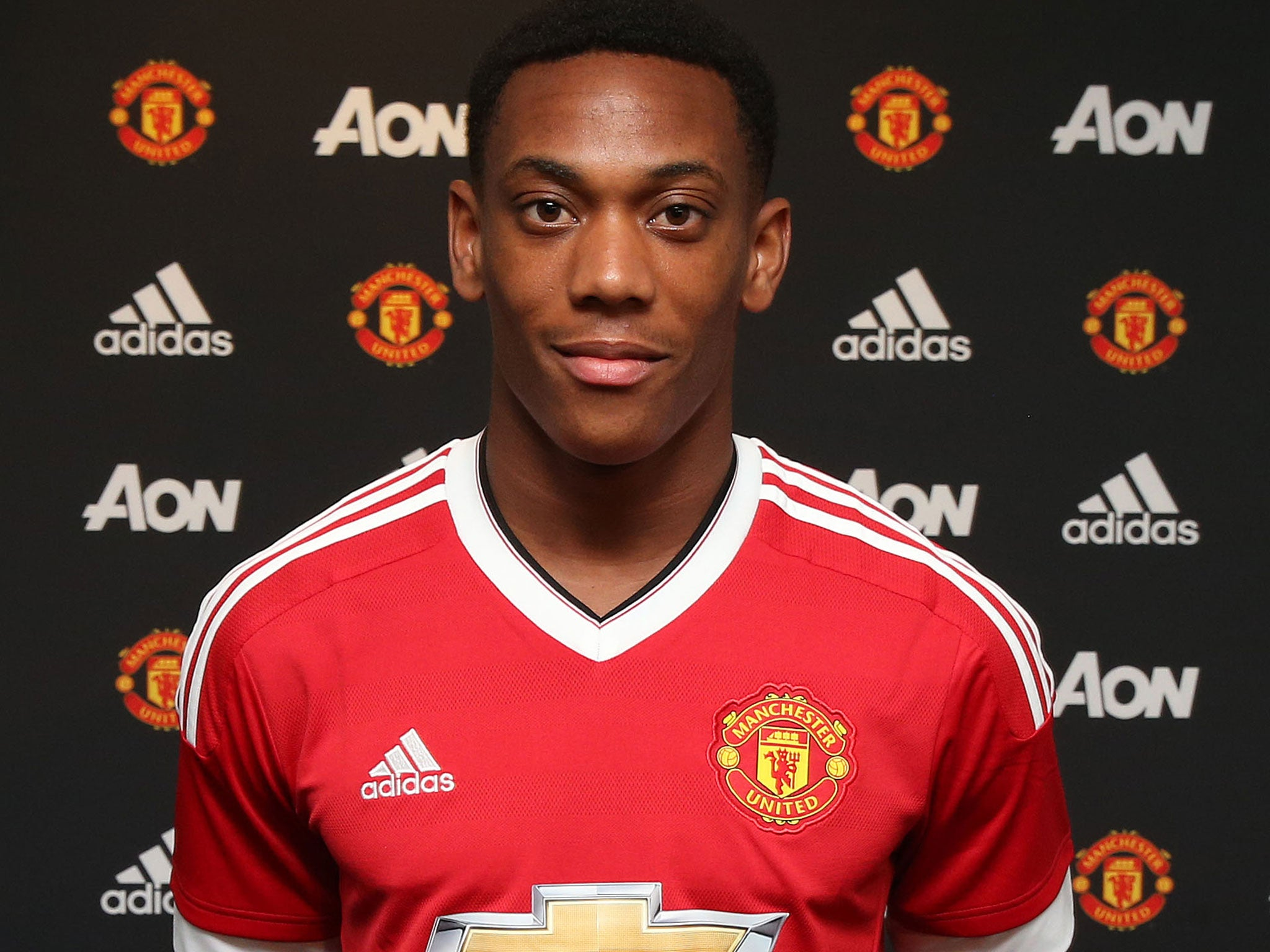 Anthony Martial appears to take swipe at Man United after his No.9 ...