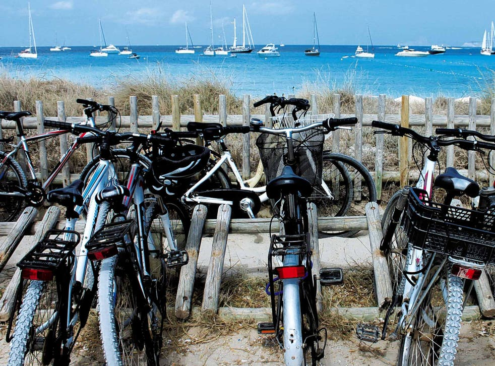 Park and ride: bicycles at Illetes, Formentera