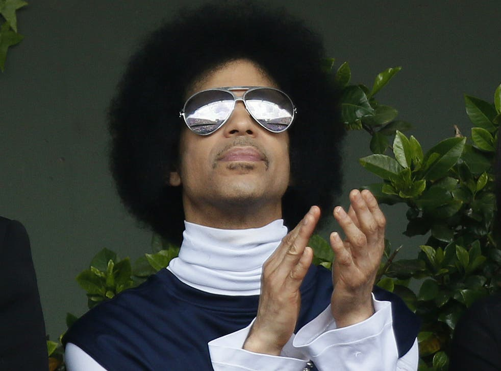 Universal is said to be concerned about the proper value of its deal with Prince's estate