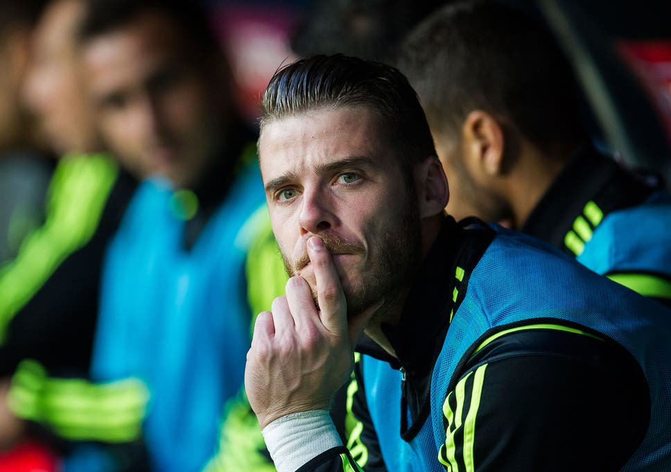 a2886154307 David De Gea to Real Madrid  goalkeeper signs new Manchester United deal  but that doesn t mean £36m switch to Real next summer is off