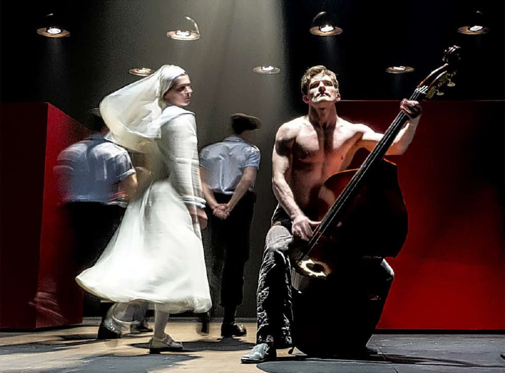 Anna Khalilulina and Peter Rykov in Cheek by Jowl's productio