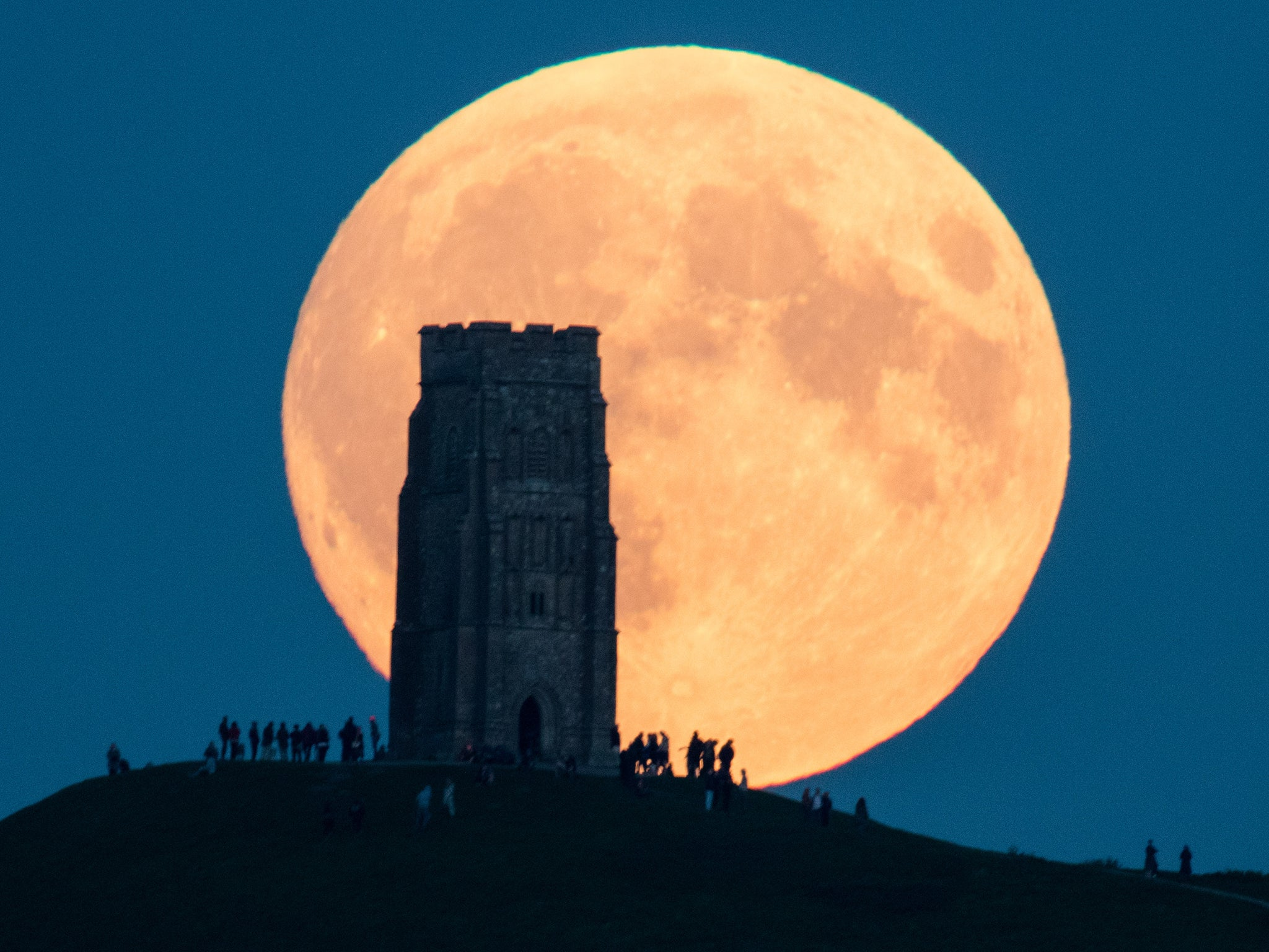 Supermoon to collide with 'hunter's moon' and produce stunning lunar sight