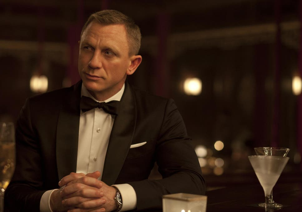 James Bond Opts For Dirty Martini Over Classic Drink In Spectre