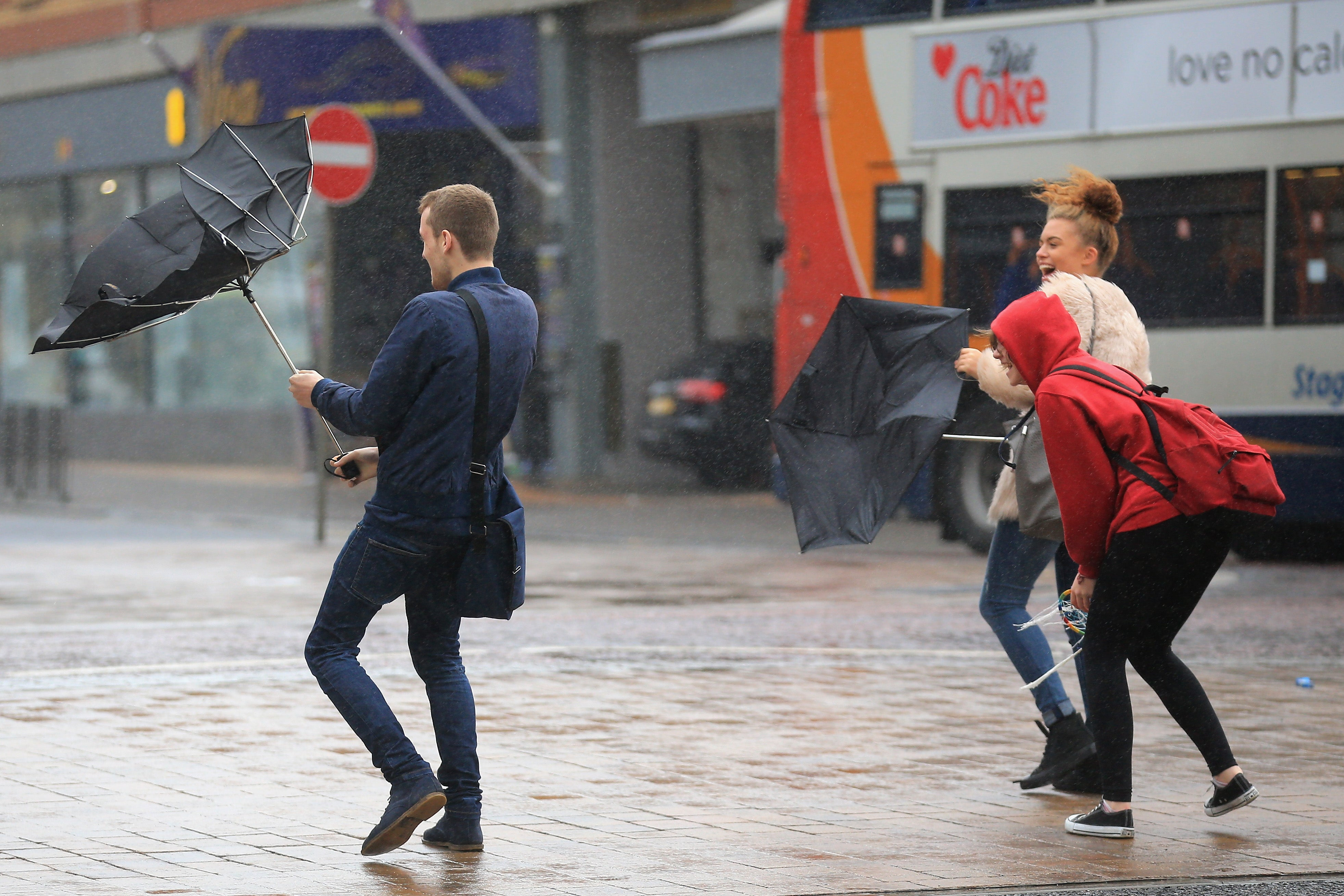 a wet and windy week ahead as autumn begins to fall over the uk
