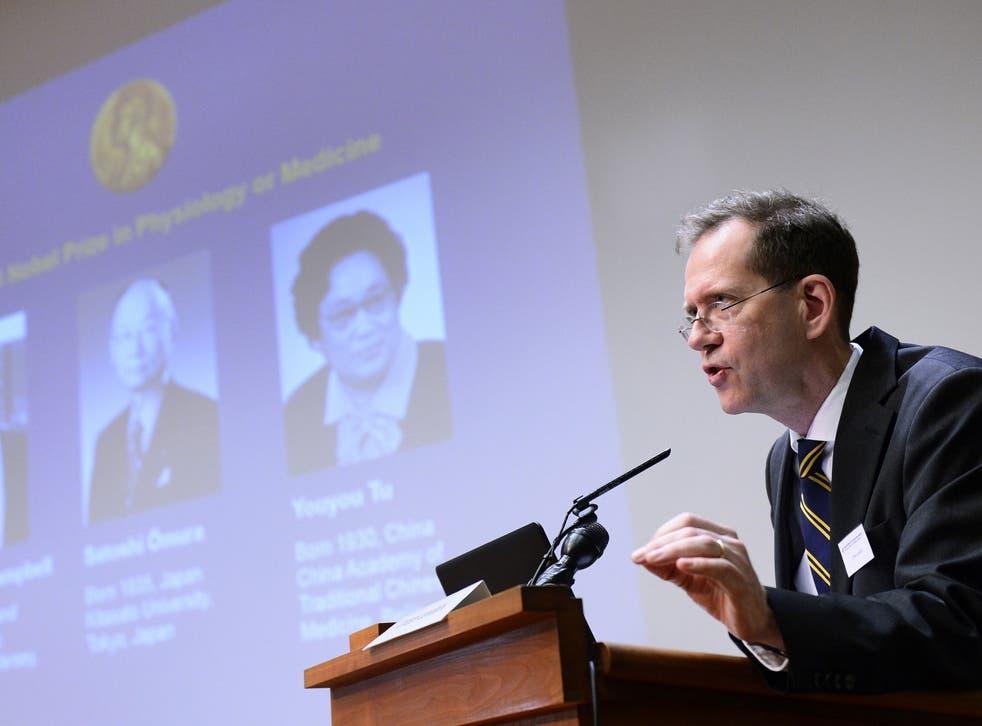 Urban Lendahl (R), Secretary of the Nobel Committee for Physiology or Medicine, addresses a press conference of the Nobel Committee to announce the winners of the 2015 Nobel Medicine Prize on October 5, 2015 at the Karolinska Institutet in Stockholm, Sweden