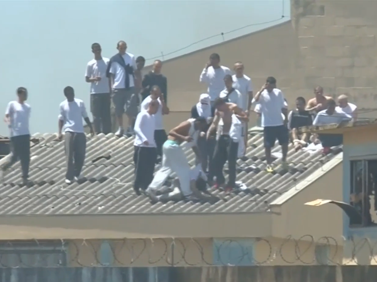 Brazil prison riot leaves 15 dead, with victims 'stabbed with