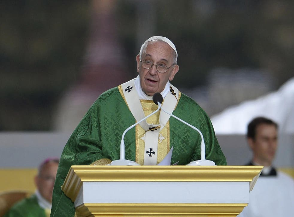 Pope Francis saying mass.