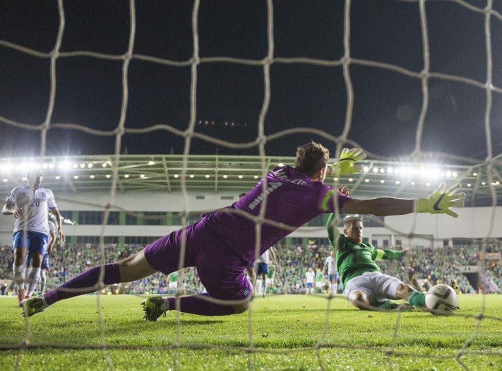 Steven Davis slides in to put Northern Ireland one up