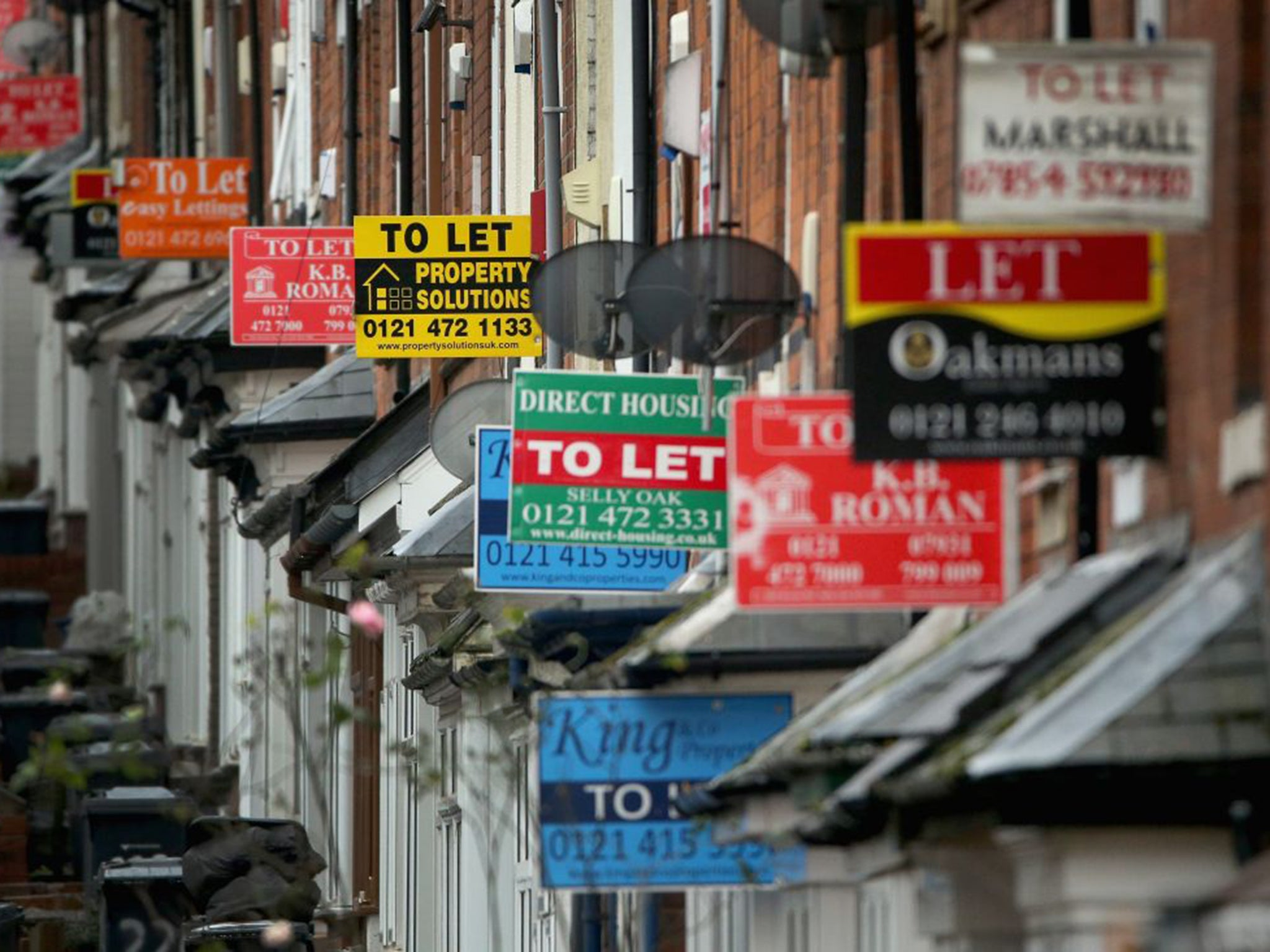 Landlords' immigration checks 'fueling discrimination', report says