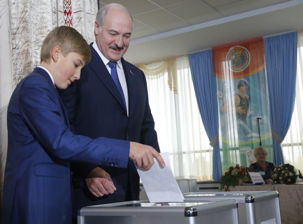 Alexander Lukashenko: Last dictator of Europe wins Belarus election