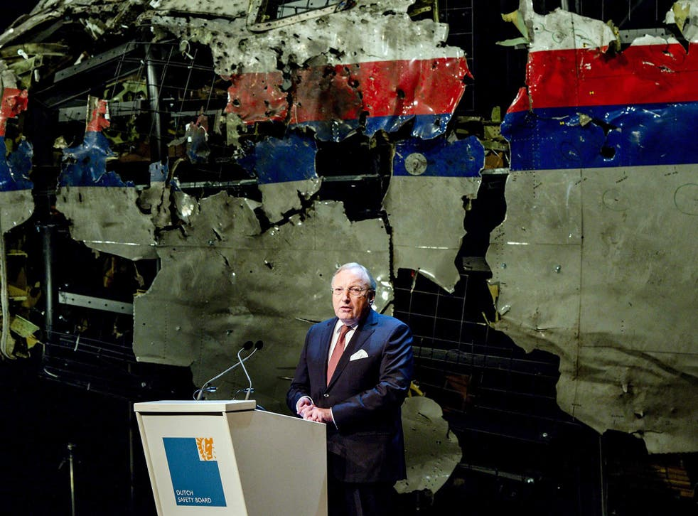 Tjibbe Joustra, Chairman of the Dutch Safety Board presenting the MH17 report on 13 October 2015.
