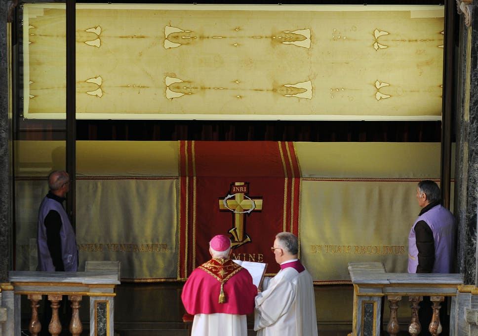 Shroud of Turin 'stained with blood from torture victim', find