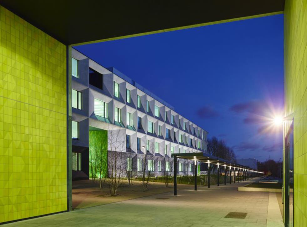 Burntwood School in Wandsworth, south-west London, has won the Riba Stirling Prize 2015 for the best new building in Britain. Architect Allford Hall Monaghan Morris picked up the prize for its reimagining of a 1950s Modernist school