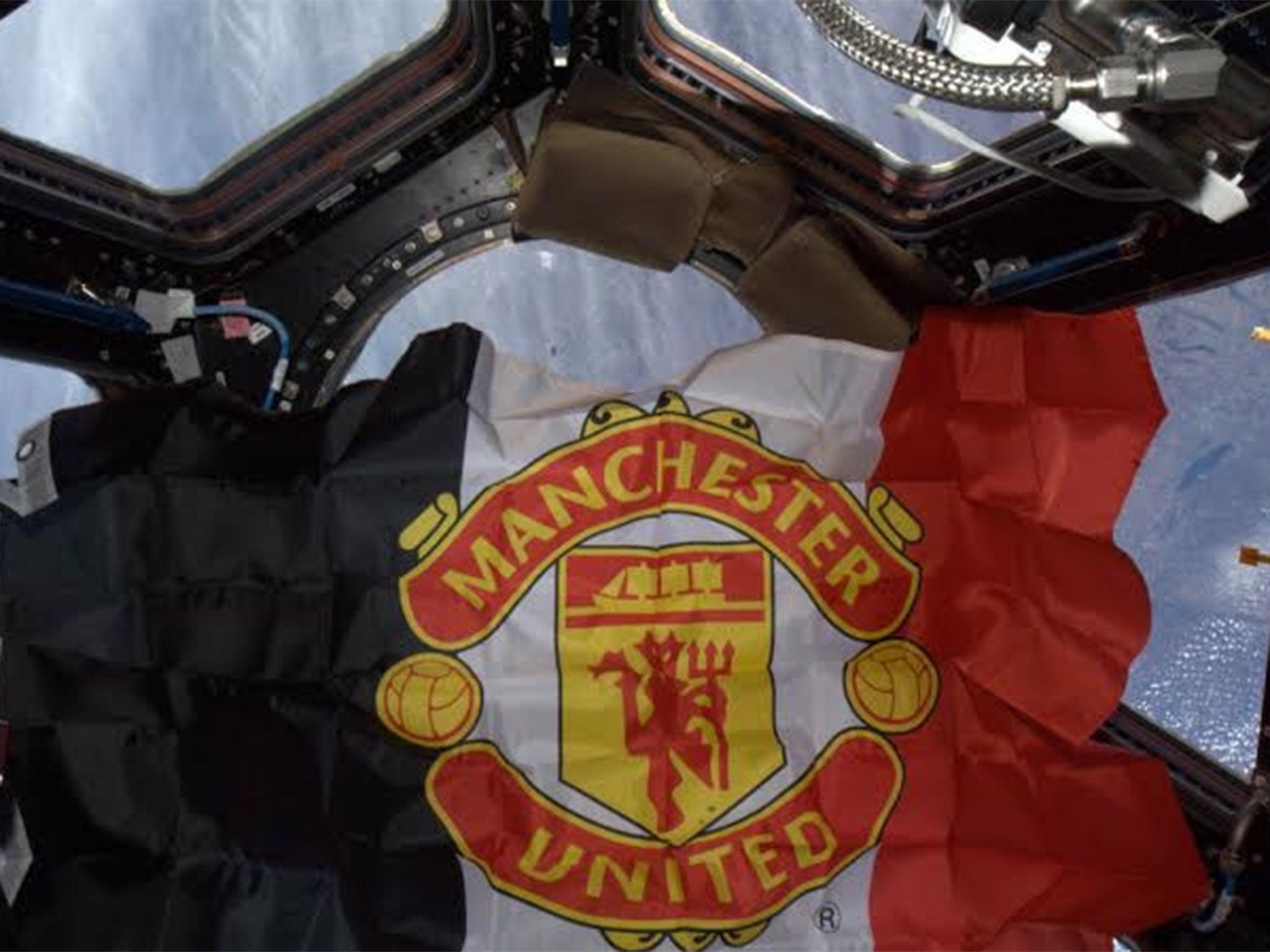 The Manchester United Flag Has Been Flying From The International Space Station The Independent The Independent
