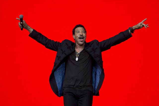 Putty in his hands: Lionel Richie plays Glastonbury