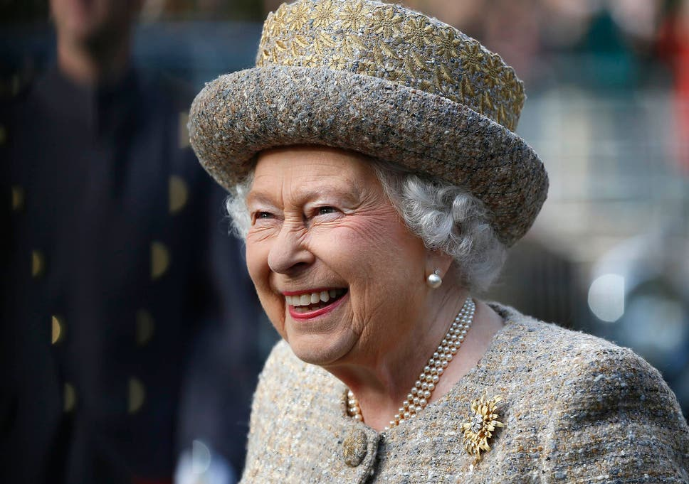 My How Time Flies Queen Elizabeth At 50 >> American Writes To The Queen Asking Her To Take Back Control Of The