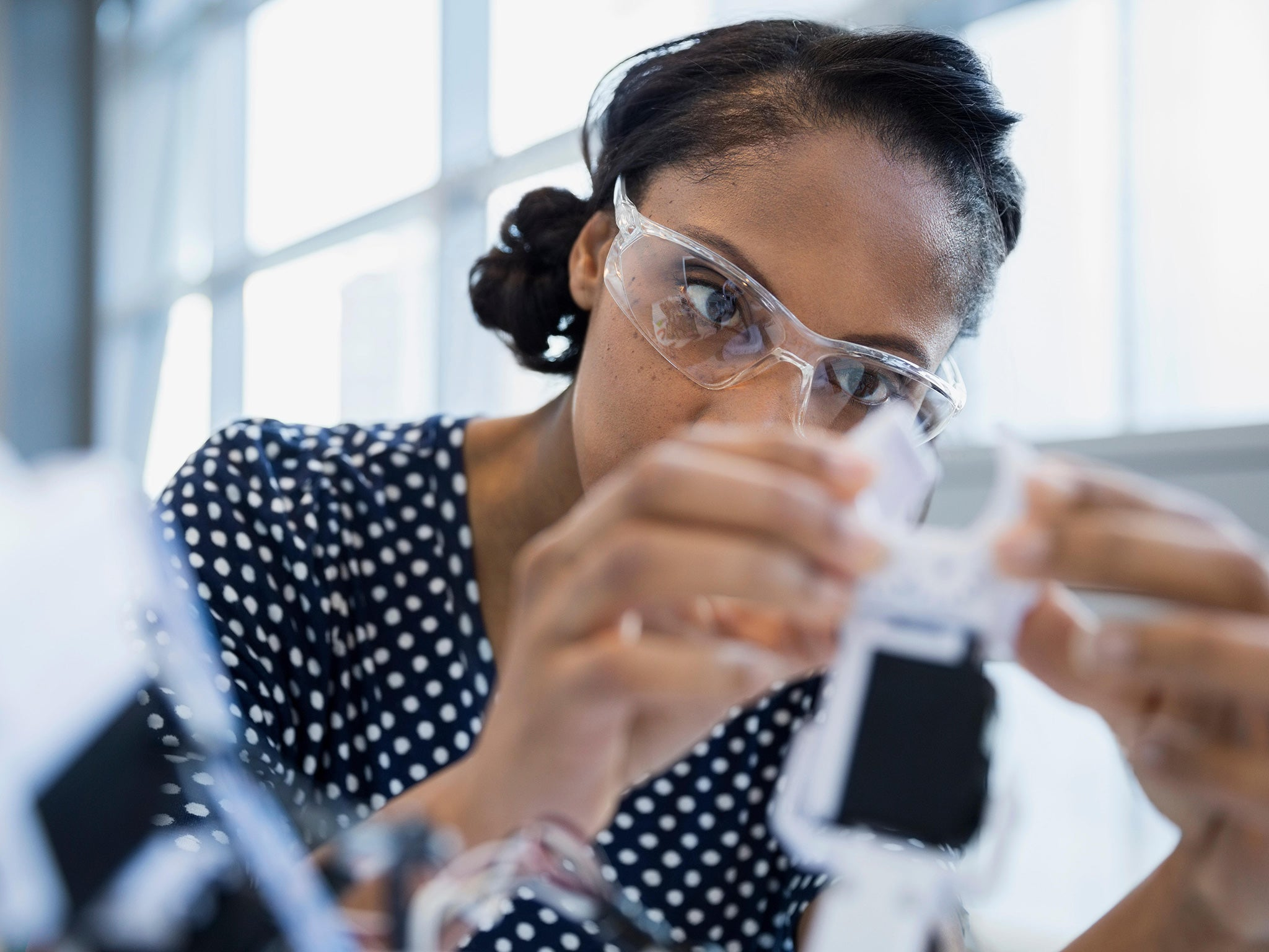 female engineers equalising  path   career   forefront  science  independent