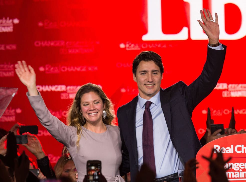 Liberal Party leader Justin Trudeau celebrates with his wife Sophie after winning the Canadian general elections