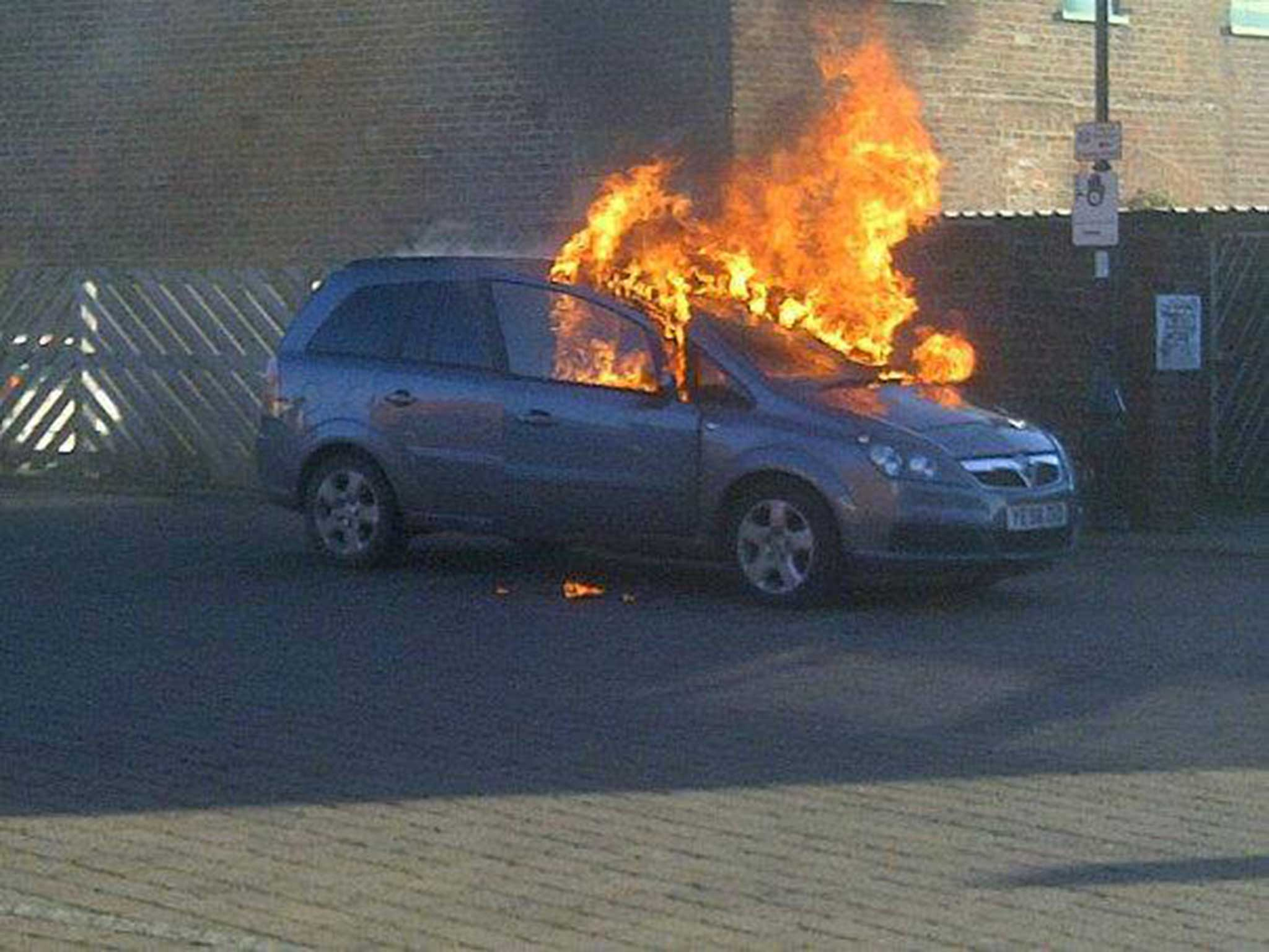 Zafira Fuse Box Fault Free Wiring Diagrams Fire Car One Of The Models That Allegedly Spontaneously Caught At